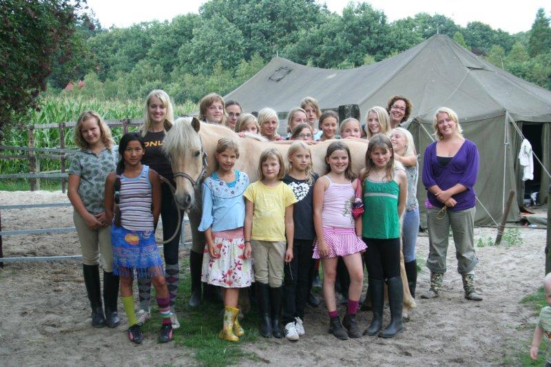 Klik op de foto voor alle andere foto's van het ponykamp